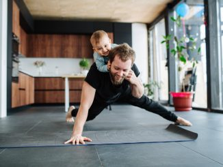 a dad doing a full body workout at home